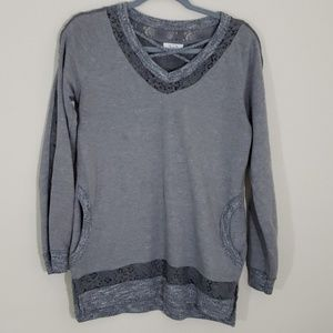 Maurices Sz S Gray top with lace detail.